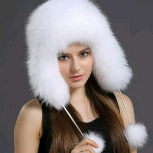 WARM!! FAUX FUR W POMPOMS! CUTE HAT!!